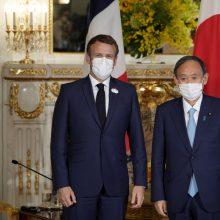 E. Macronas Tokijuje susitiko su Japonijos premjeru