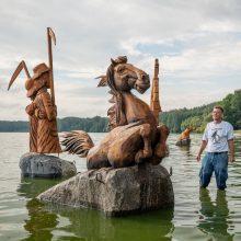 Medžio drožėjo R. Uždravio kūrinys papuoš 2020-ųjų Lietuvos mažąją kultūros sostinę – Kačerginę