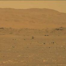 """NASA: sraigtasparnis """"Ingenuity"""" Marse sėkmingai įvykdė pirmąjį skrydį"""