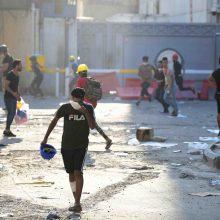 Neramumų krečiamame Irake nusileisti nelinkę nei protestuotojai, nei politikai