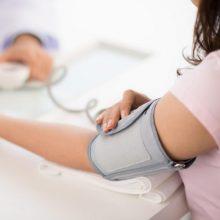 Specialistai apie rizikos grupę: kraujospūdį reikia tikrintis du kartus per dieną
