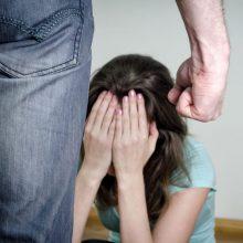 Kupiškio rajone sulaikytas girtas vyras: grasino nepilnametei dukrai