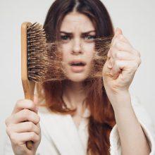 Plaukų priežiūra: nuo slinkimo gelbėja liaudiškos priemonės