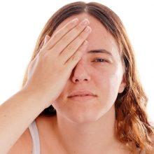 Akių ligų pacientai vis jaunėja: akims kenkia ne kompiuteris