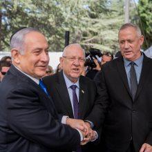 Izraelis: varžovai susitarė pradėti konsultacijas dėl valdančiosios koalicijos