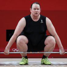 Translytė sunkumų kilnotoja L. Hubbard iškrito iš olimpinio finalo