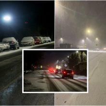 Šįvakar vairuotojams prireiks daugiau atidumo: kauniečiai įspėja apie pavojingas eismo sąlygas
