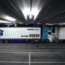"""""""Queen"""" šturmuoja: 19-os sunkvežimių atgabenta koncerto technika jau Kaune"""