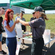 """""""Švariems"""" vairuotojams Kauno pareigūnai negailėjo dovanų"""