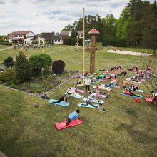 Pasirinkimas: stovykloje jogos ir kitokios treniruotės.