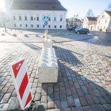 Rotušės aikštėje – eismo pokyčiai: vairuotojai sukti ratų čia negalės