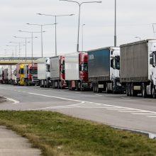 Vežėjai: Baltarusijos sprendimas stums krovinių srautus iš Lietuvos