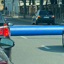 Dėl tiesiamo vamzdžio sustabdytas eismas Birštono gatve – jau atnaujintas