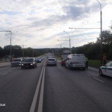 Trys paros šalies keliuose: 175 avarijos, nei viena nesibaigė tragiškai