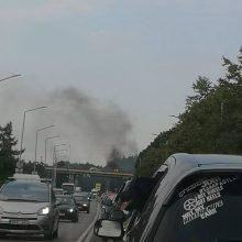 Ant Kleboniškio tilto supleškėjo BMW