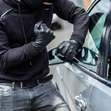 """Karmėlavoje vidury baltos dienos pavogtas """"VW Golf"""": įtariamasis surastas Panevėžyje"""