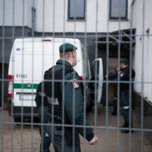 Teismas leido suimti korupcija įtariamus du prokurorus, FNTT pareigūną ir advokatą