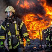 Tauragės rajono kaime trys vyrai, įtariama, tą pačią naktį padegė du pastatus