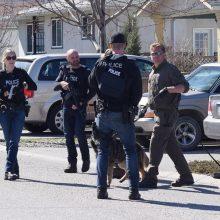 Kanados vakaruose nušauti keturi žmonės, žudikas pažinojo aukas