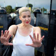 Minske protestuotojai reikalauja paleisti M. Kalesnikavą, pranešama apie sulaikymus