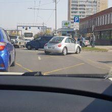 Po avarijos Savanorių prospekte vairuotoją ištiko šokas