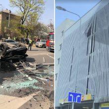 """Iš """"Europos"""" aikštelės iškritusi vairuotoja siekia prisiteisti 200 tūkst. eurų"""