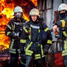 Radviliškio rajone degė namas, apdegė savininkas