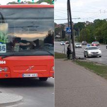 Vilijampolėje autobusas partrenkė pėsčiųjų perėja važiavusį dviratininką