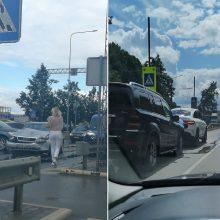 Dėl avarijų keliose Kauno vietose nusidriekė spūstys (atnaujinta)