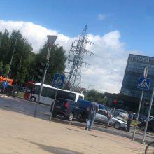 Dėl avarijų keliose Kauno vietose nusidriekė spūstys