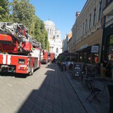 Dėl gaisro restorane į Laisvės alėją lėkė sustiprintos ugniagesių pajėgos