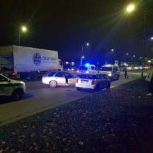Kaune girta vairuotoja prisivirė košės: kliudė du automobilius, vienas jų – policijos