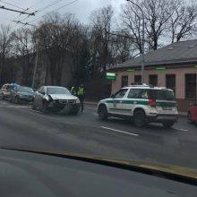Vilniuje siautėjusią girtą vairuotoją sustabdė pilietiški vairuotojai