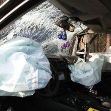 Per avariją sužaloti keturi saugos diržais neprisegti mažamečiai