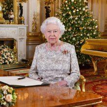 """Karalienė kalėdinėje kalboje ragins išlikti ramius, nepaisant """"Brexit"""" audrų"""