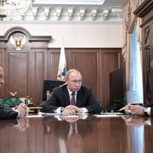 V. Putinas: Maskva įšaldo dalyvavimą INF sutartyje ir imasi kurti naujas raketas