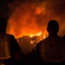 Kanarų salose siautėja nauji miškų gaisrui, evakuojami žmonės
