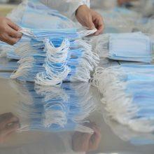 Į Lietuvą pargabenama dalis Kinijoje pirktų medicininių apsaugos priemonių