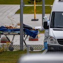 Rusijoje pirmąkart per parą mirė daugiau kaip tūkstantis COVID-19 pacientų