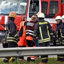 Girto vairuotojo fordas rėžėsi į kitą automobilį, sužaloti keturi žmonės