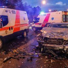 Tragiška avarija Pasvalio rajone: susidūrė trys automobiliai, žuvo trys žmonės