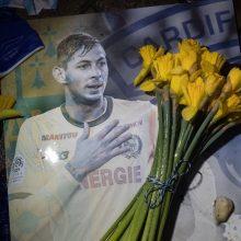 Britanijoje sulaikytas vyras, siejamas su futbolininko E. Salos žūtimi
