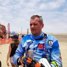 Šeštame Dakaro ralio etape B. Bardausko motociklo navigacinė įranga nesiunčia signalo