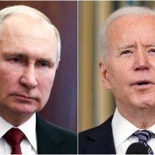 J. Bidenas sako nesiekiantis eskaluoti įtampos su V. Putinu