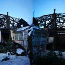 Po gaisro be namų likusi Lina: neliko nieko – net prisiminimai, emocijos pavirto juodais dūmais