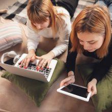 Tyrimas: lietuviai internete praleidžia trečdalį gyvenimo