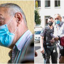 Tragiškos muštynės pakaunėje: kumščių nevaldantis pensininkas atvežtas į teismą