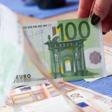 Pareigūnu apsimetęs sukčius iš kaunietės išviliojo šimtus eurų