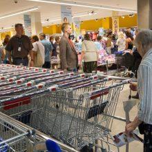 Trumpėja prekybos centrų darbo laikas sekmadieniais