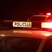 Molėtų rajone į tvenkinį įvažiavo automobilis, žuvo žmogus